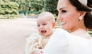 Prinz Louis mag zwar erst wenige Monate alt sein, macht seiner Mutter Kate Middleton jedoch schon eine Menge Freude. (Foto)