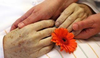 Einem 28-jährigen Mann wird vorgeworfen, seine Großmutter getötet zu haben (Symbolbild). (Foto)