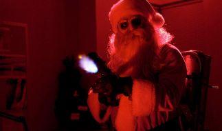 """Der Weihnachtsmann aus """"Silent Night"""" ist ein wahrlich garstiger Zeitgenosse. (Foto)"""