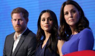 "Für ihre Stiftung ""Royal Foundation"" zogen Prinz Harry, Meghan Markle und Kate Middleton (v.l.n.r.) bislang an einem Strang. (Foto)"