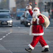 Mann verhaftet, weil er den Weihnachtsmann leugnet! (Foto)