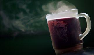 Im Geschmackstest schnitt billiger Glühwein überraschenderweise besser ab, als teurer. (Foto)