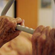 Altersheim lässt Opa (84) die Genitalien verrotten (Foto)
