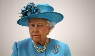 Queen Elizabeth II. dürfte angesichts der zahlreichen Skandale im britischen Königshaus mit gespaltenen Gefühlen auf das Jahr 2018 zurückblicken. (Foto)