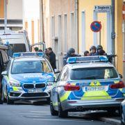 Bewaffneter verschanzt sich in Büro! SEK stürmt Gebäude (Foto)