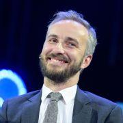 Schock im TV! Jan Böhmermann zersägt Penis live im ZDF (Foto)