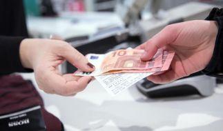 Beim Umtausch mangelfreier Ware sind Verbraucher auf die Kulanz der Händler angewiesen. (Foto)