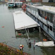 63-Meter-Schiff versinkt im Rhein nahe Köln (Foto)