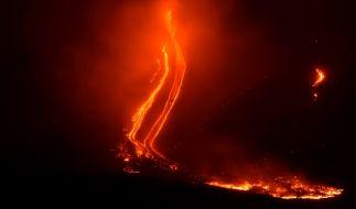 Der Vulkan Ätna spuckt wieder Feuer. (Foto)