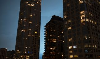 Das blaue Licht über New York führte zu wilden Spekulationen. (Foto)