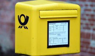 Die Deutsche Post erhöht das Filialporto für Pakete. (Foto)