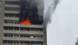 Bei einem Hochhausbrand im bayrischen Puchheim ist ein fünf Jahre altes Mädchen ums Leben gekommen. (Foto)