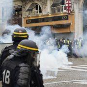 """Schwere Zusammenstöße bei """"Gelbwesten""""-Protesten mit der Polizei (Foto)"""