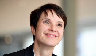 Frauke Petry soll ihr sechstes Kind erwarten. (Foto)