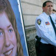 Chris Fitzgerald, Polizeichef von Barron, spricht während einer Pressekonferenz über die vermisste 13-Jährige.