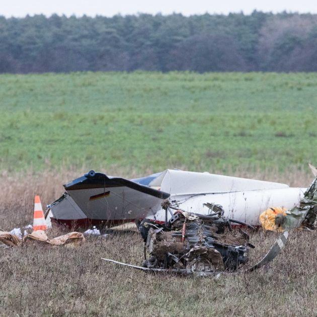 2 Tote bei Absturz von Motorflugzeug (Foto)