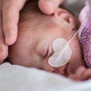 Mutter will Baby mit Bleiche töten (Foto)