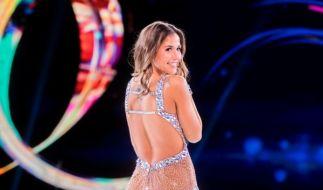 """Sarah Lombardi droht nach einer Verletzung das Aus bei """"Dancing on Ice"""". (Foto)"""