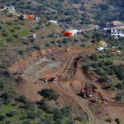 «Wir sind auf enorme Schwierigkeiten gestoßen», räumte Wegebau-Ingenieur Angel García Vidal am Donnerstag an der Unfallstelle in Totalán in der südspanischen Provinz Málaga ein.