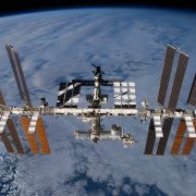 Seltsame Aufnahmen! UFO-Alarm auf der ISS? (Foto)