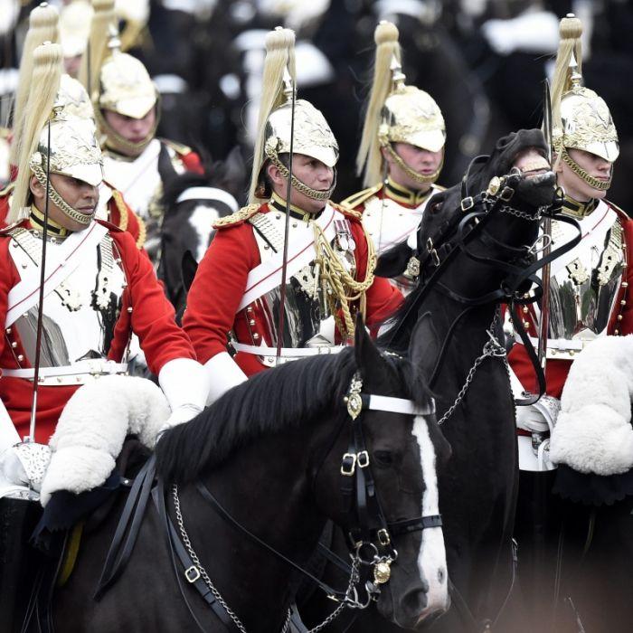 Sex-Skandal! Suff-Fummelei im Armee-Regiment der Prinzen (Foto)
