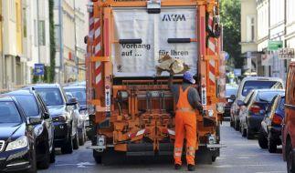 Ein 47 Jahre alter Müllmann aus der englischen Grafschaft Devon ist bei einem bizarren Arbeitsunfall ums Leben gekommen (Symbolfoto). (Foto)