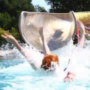 Horror-Urlaub! Dicke zerquetscht Frau auf Wasserrutsche (Foto)