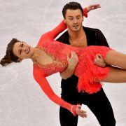 """Mit seiner Eistanzpartnerin Kavita Lorenz steht Panagiotis """"Joti"""" Polizoakis für Deutschland bei internationalen Wettbewerben auf der Eisfläche. (Foto)"""