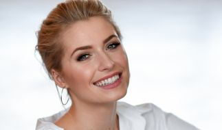Lena Gercke ist ein Vollprofi und weiß, wie sie ihre sexy Modelkurven perfekt in Szene setzt. (Foto)
