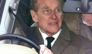 Prinz Philip hat sich nach dem folgenschweren Autounfall einen Ruck gegeben und sich bei den verletzten Opfern per Brief entschuldigt. (Foto)