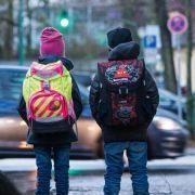 Durchgefallen! DIESE Schulranzen gefährden ihre Kinder (Foto)