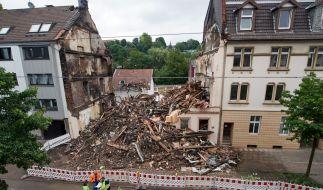 Ein Wohnhaus in Wuppertal liegt in Schutt und Asche. (Foto)