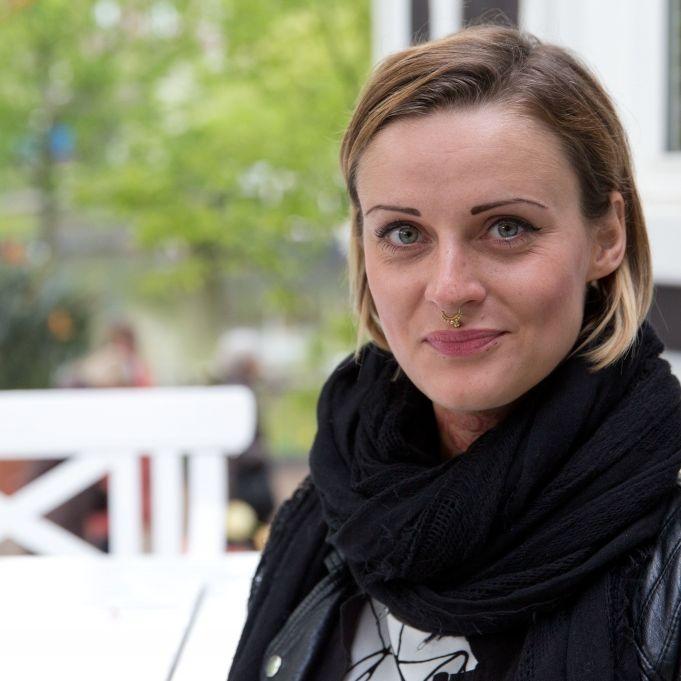 Rührender Abschied! Jennifer-Rostock-Sängerin in Trauer (Foto)