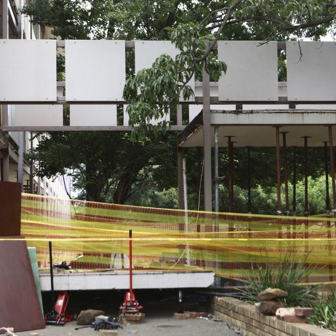 3 tote Kinder! Brücke zwischen Schulgebäuden stürzt ein (Foto)