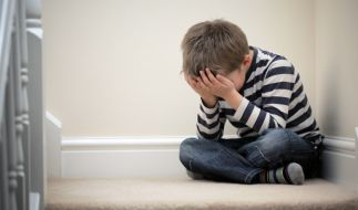 Die Vormünder eines kleinen Jungen sollen ihn zu Tode gequält haben. (Symbolbild) (Foto)