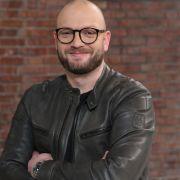 """Auszeit bei """"Bares für Rares""""! ZDF-Liebling hütet das Krankenbett (Foto)"""