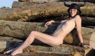 """AntjeMönning bewies in """"Engel mit schmutzigen Flügeln"""" erstmals, dass sie keine Probleme mit Nackt-Szenen hat. (Foto)"""