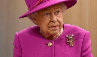 Queen Elizabeth II. bereits offenbar ihren Rücktritt vor. (Foto)
