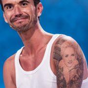 Florian Silbereisen trägt ein Tattoo seiner Ex-Freundin auf dem Arm.