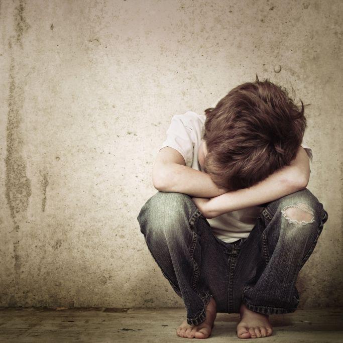 Abartig! Pädophile (28) filmt sich bei Missbrauch von Sechsjährigem (Foto)