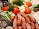 Schinken-Rotwurst, die bei Aldi Nord und Aldi Süd verkauft wurde, wird aufgrund von Listerien-Befall zurückgerufen (Synbolfoto). (Foto)