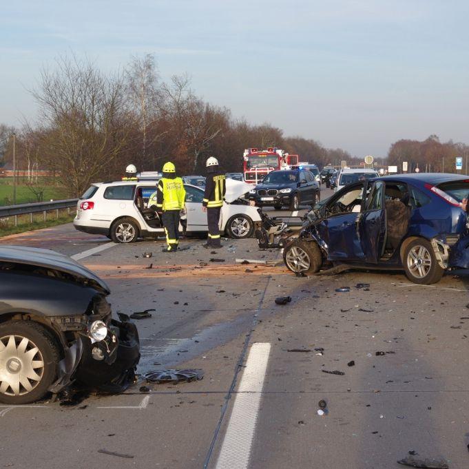 1 Toter, 4 Schwerverletzte: Geisterfahrer kracht in Familienwagen (Foto)