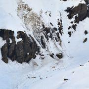Lawine donnert auf Schweizer Skipiste - ein Todesopfer bestätigt (Foto)