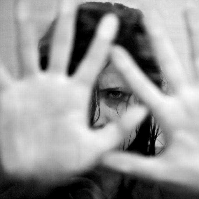 Hundertfacher Missbrauch! Vater vergewaltigt mit Söhnen eigene Tochter (Foto)