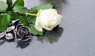 Trauer umLisa Seagram: Die Schauspielerin ist im Alter von 82 Jahren verstorben. (Symbolbild) (Foto)