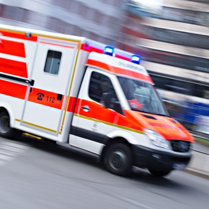 Lastwagen rammt Straßenbahn - 17 Menschen verletzt (Foto)