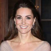 Echt unroyal! Herzogin Kate zeigte ihren nackten Hintern (Foto)