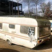 Vermisstes Mädchen (12) nach Missbrauchsverdacht aus Campingwagen befreit (Foto)