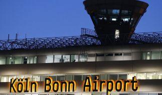 Am Flughafen Köln/Bonn ist ein Geldtransporter überfallen worden (Symbolbild). (Foto)
