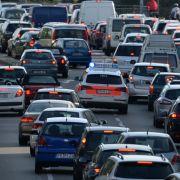 Polizei fordert 23.000 Euro Bußgeld von 100 Autofahrern (Foto)
